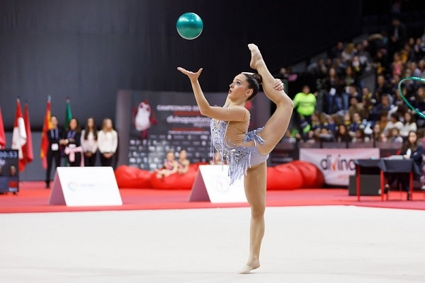Ejemplo de gimnasia ritmica como deporte individual